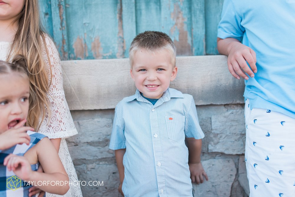 van-wert-ohio-family-taylor-ford-wedding-photography_0534.jpg