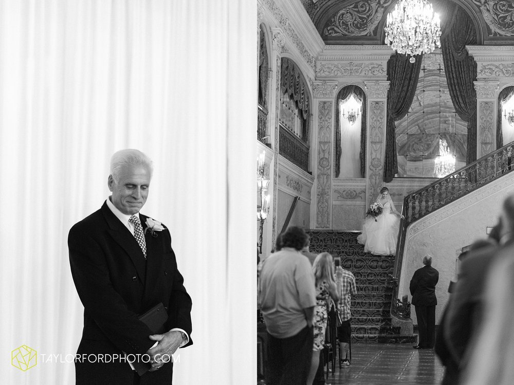 fort-wayne-indiana-taylor-ford-wedding-photography-the-embassy-theatre_0763.jpg