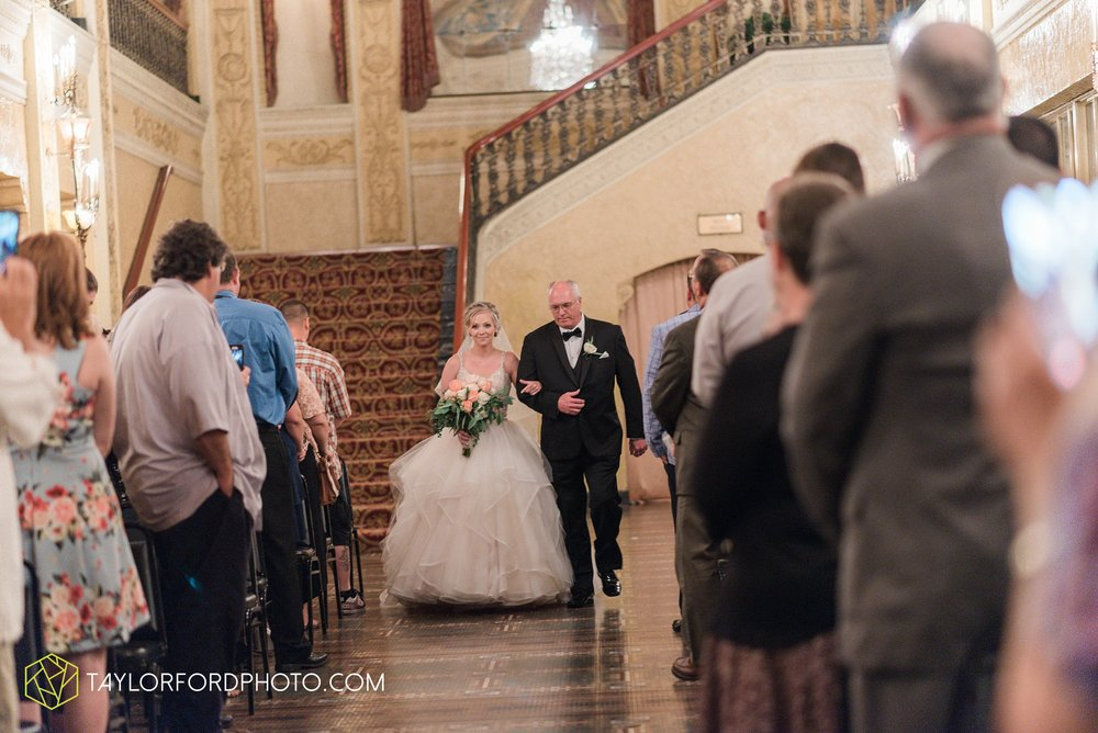 fort-wayne-indiana-taylor-ford-wedding-photography-the-embassy-theatre_0764.jpg