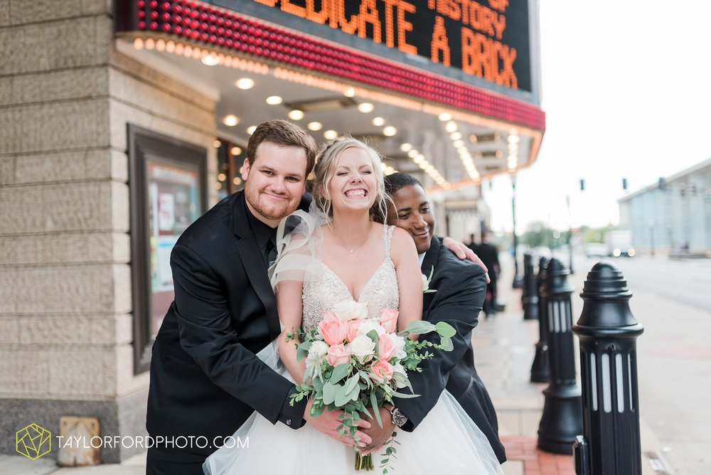 fort-wayne-indiana-taylor-ford-wedding-photography-the-embassy-theatre_0795.jpg