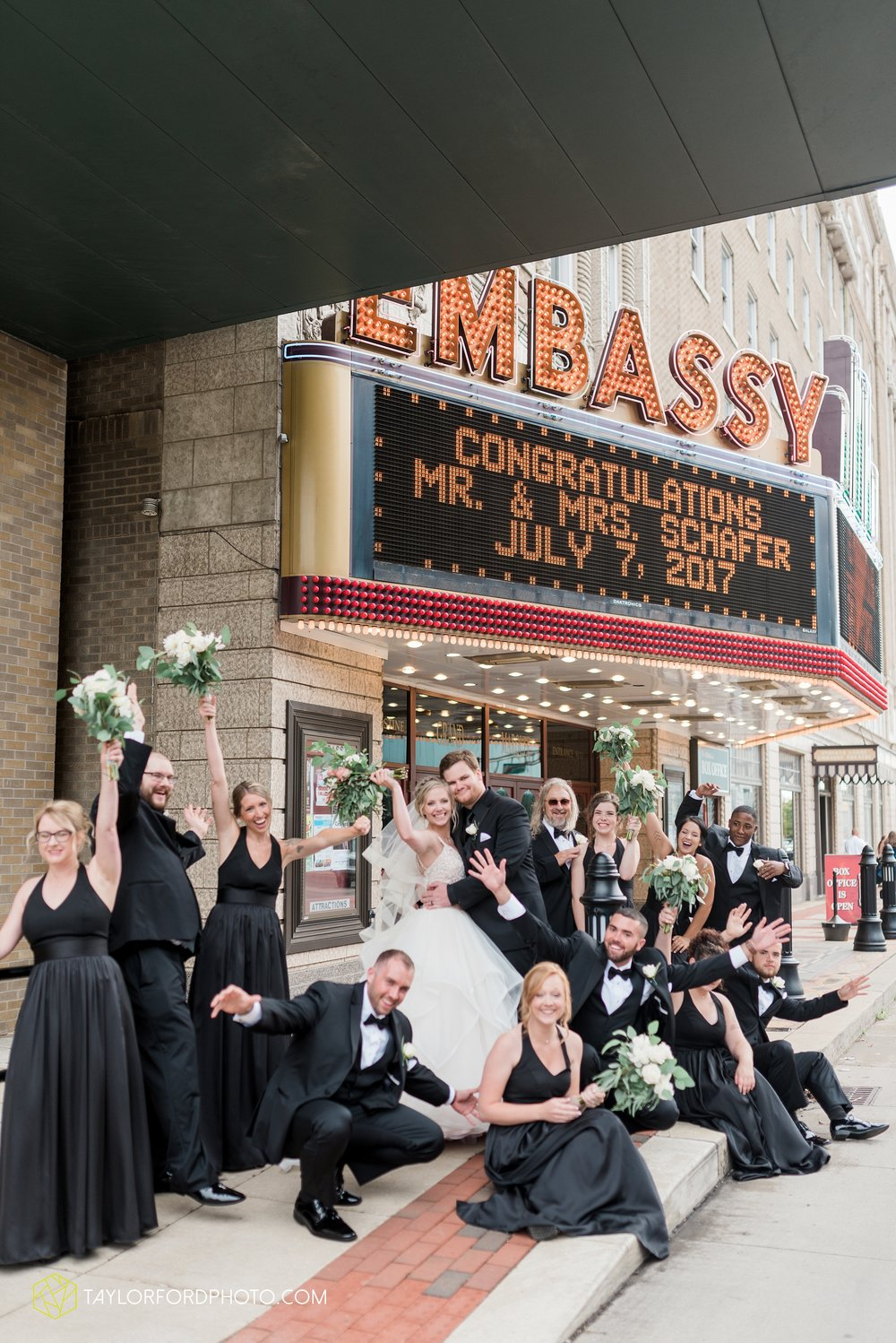 fort-wayne-indiana-taylor-ford-wedding-photography-the-embassy-theatre_0794.jpg