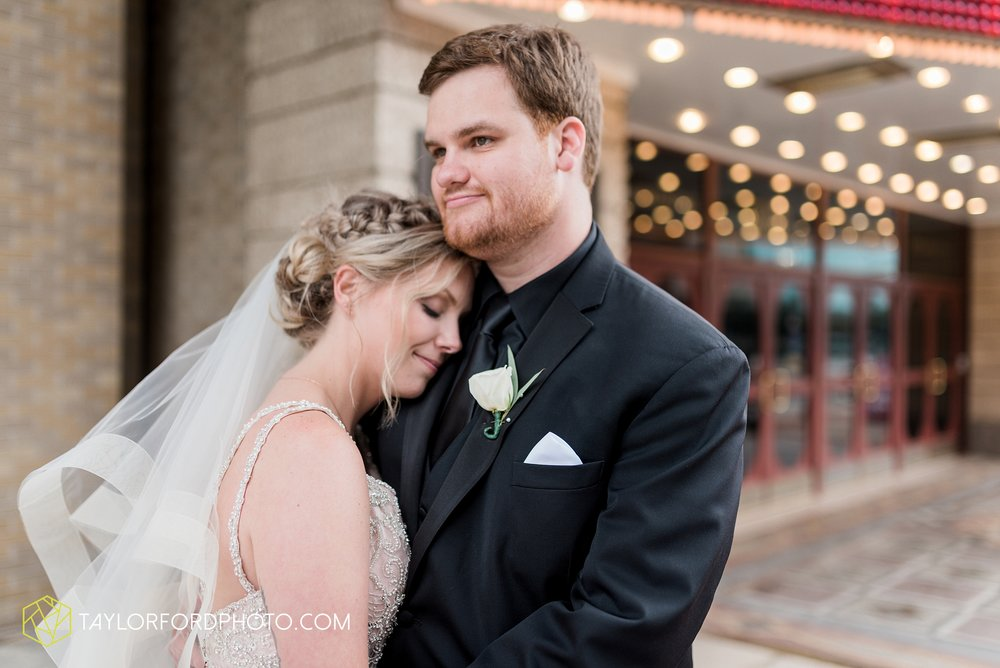 fort-wayne-indiana-taylor-ford-wedding-photography-the-embassy-theatre_0798.jpg