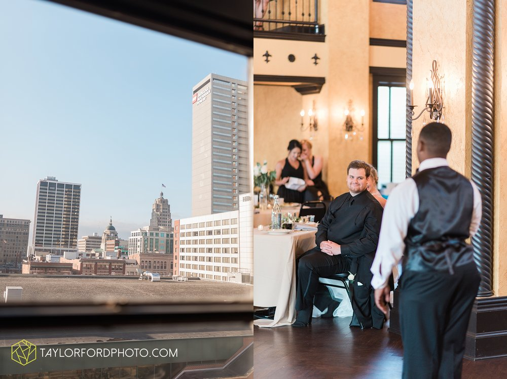 fort-wayne-indiana-taylor-ford-wedding-photography-the-embassy-theatre_0804.jpg