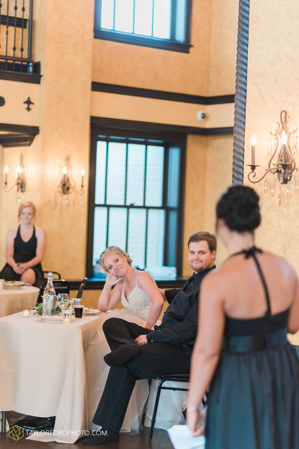 fort-wayne-indiana-taylor-ford-wedding-photography-the-embassy-theatre_0806.jpg