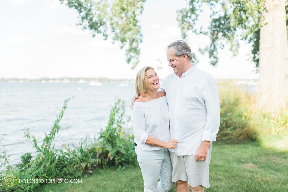 lake-wawasee-syracuse-indiana-taylor-ford-wedding-family-photography_0973.jpg
