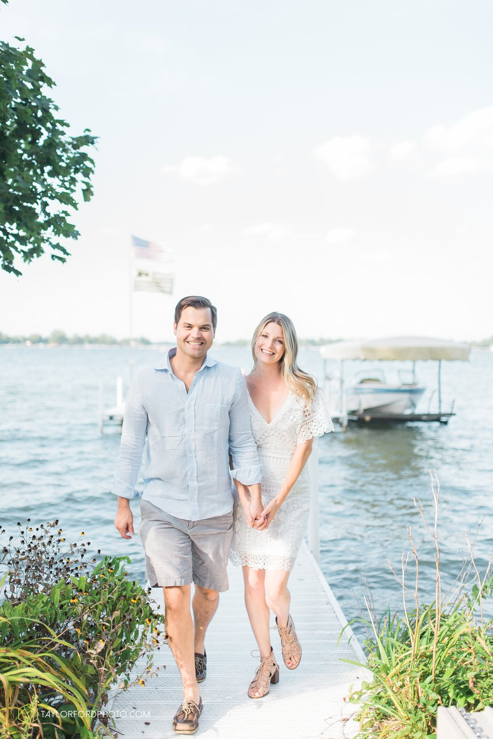 lake-wawasee-syracuse-indiana-taylor-ford-wedding-family-photography_0983.jpg