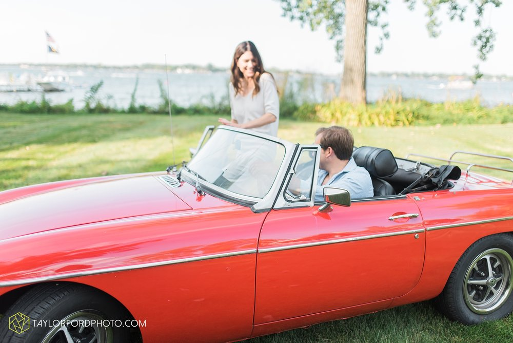lake-wawasee-syracuse-indiana-taylor-ford-wedding-family-photography_0985.jpg