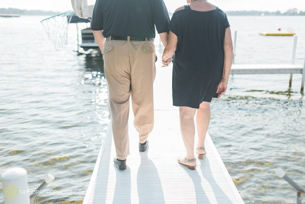 lake-wawasee-syracuse-indiana-taylor-ford-wedding-family-photography_1012.jpg