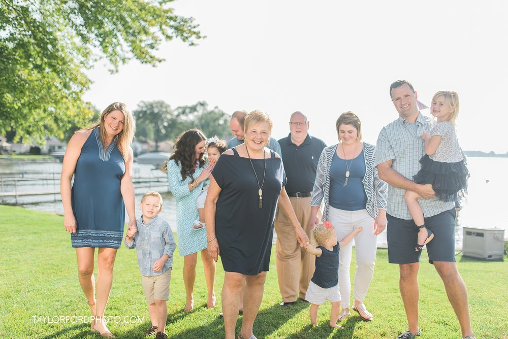 lake-wawasee-syracuse-indiana-taylor-ford-wedding-family-photography_1014.jpg