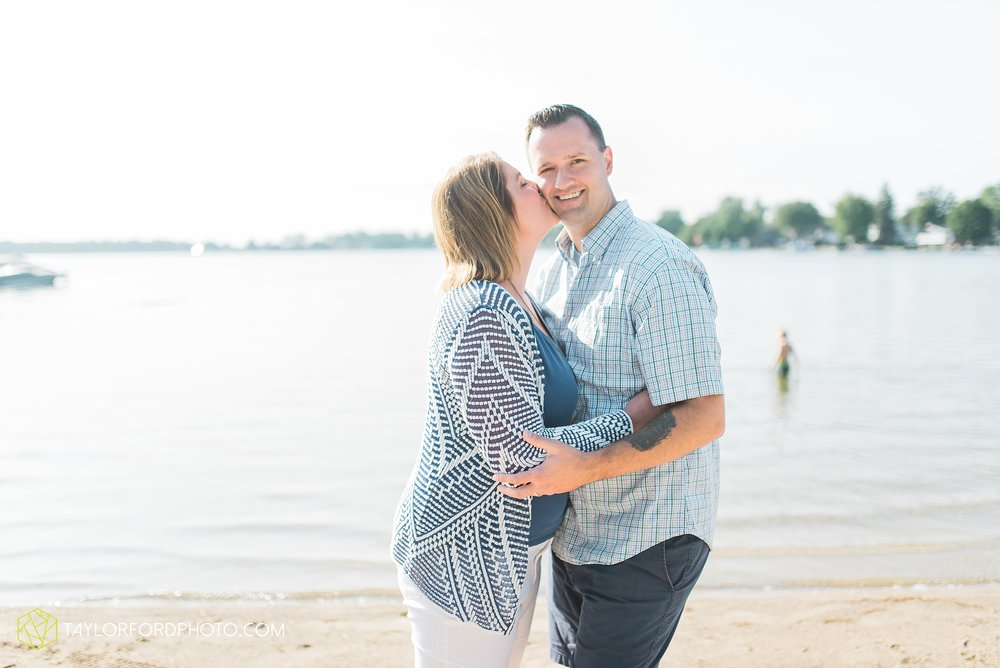 lake-wawasee-syracuse-indiana-taylor-ford-wedding-family-photography_1028.jpg