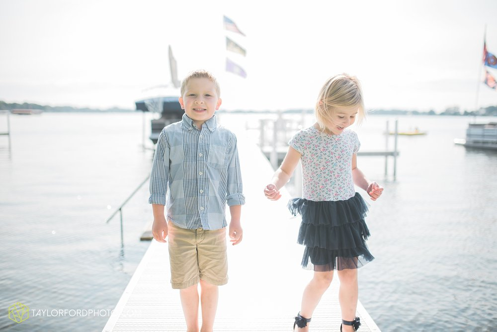 lake-wawasee-syracuse-indiana-taylor-ford-wedding-family-photography_1032.jpg