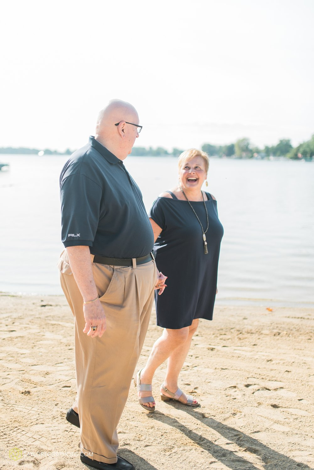 lake-wawasee-syracuse-indiana-taylor-ford-wedding-family-photography_1031.jpg
