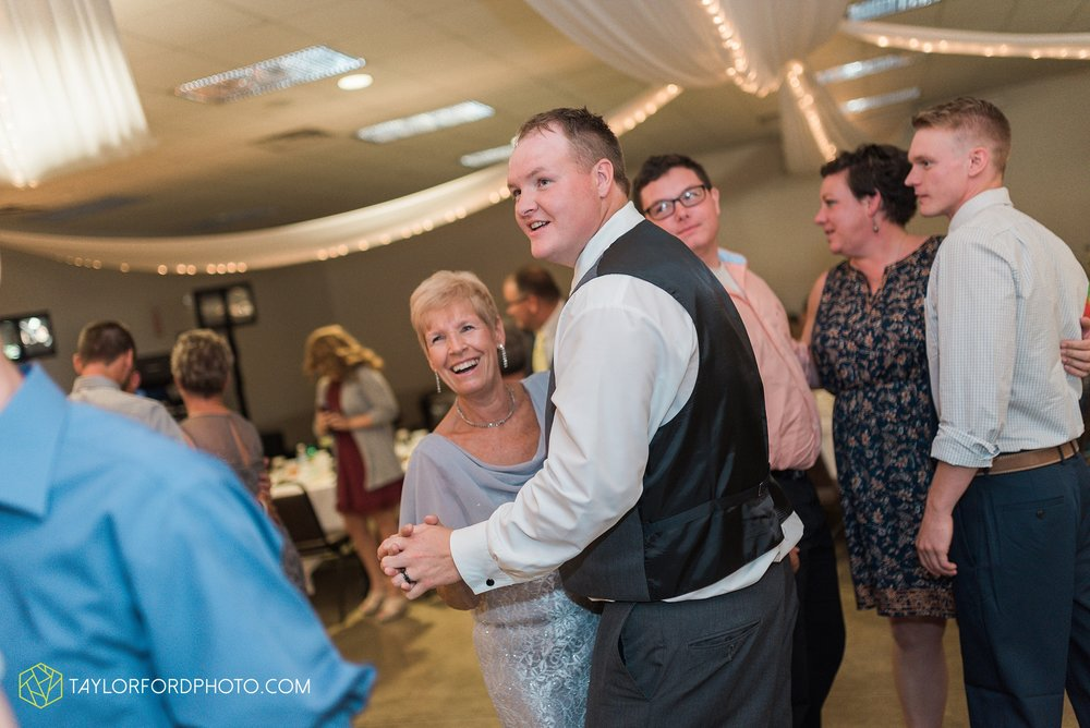 van-wert-ohio-taylor-ford-wedding-photography-photographer-rockford-ohio-first-united-methodist_1364.jpg