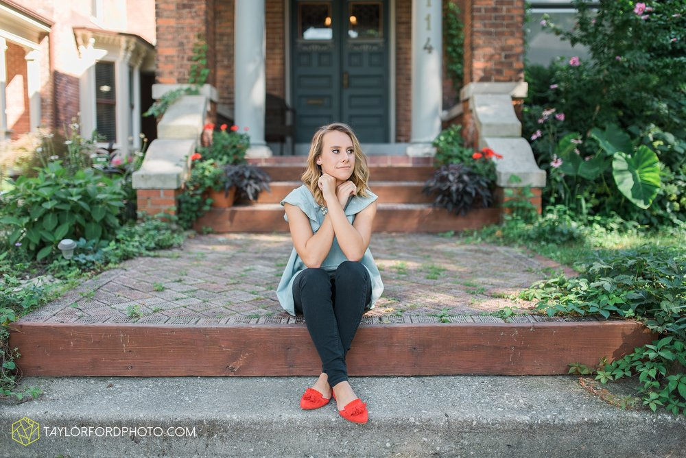 van-wert-ohio-senior-photographer-fort-wayne-photographer-downtown-crestview-high-school-taylor-ford-photography-emma-leary17.jpg