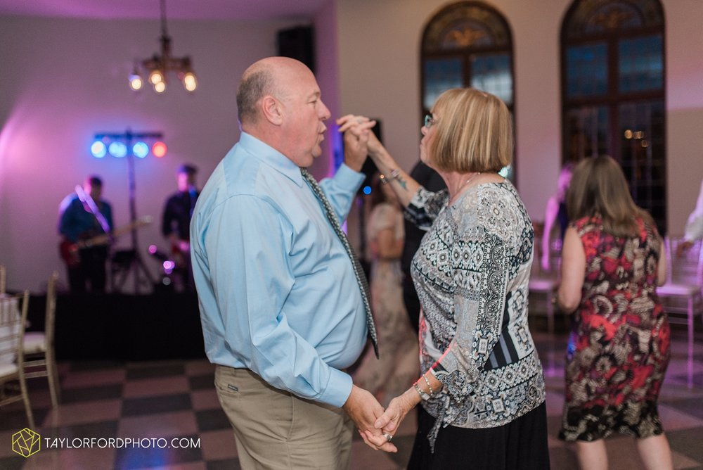 toledo-ohio-perrysburg-taylor-ford-photography-photographer-wedding-saint-rose-parish-nazerath-hall-grand-rapids_2044.jpg