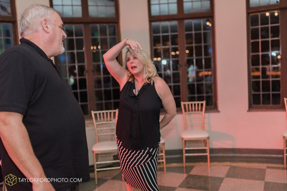 toledo-ohio-perrysburg-taylor-ford-photography-photographer-wedding-saint-rose-parish-nazerath-hall-grand-rapids_2045.jpg