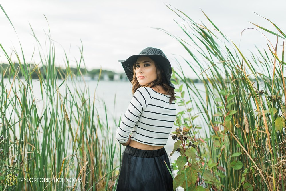 Lake-Wawasee-Syracuse-Indiana-Senior-Photographer-Taylor-Ford-Photography-Ohio-Indiana_2090.jpg