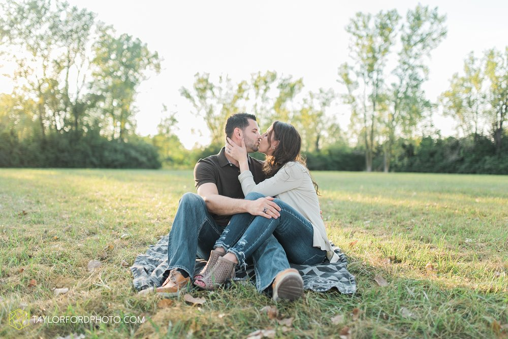 celina-coldwarter-ohio-engagement-wedding-photographer-Taylor-Ford-Photography-Ohio-Indiana_2292.jpg