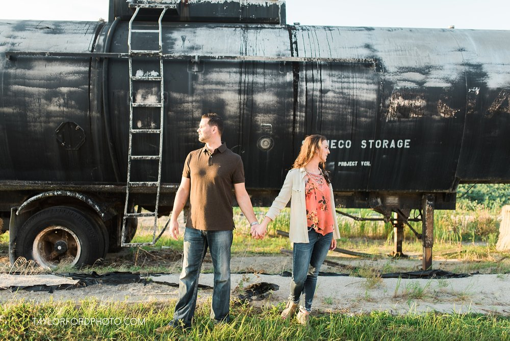 celina-coldwarter-ohio-engagement-wedding-photographer-Taylor-Ford-Photography-Ohio-Indiana_2298.jpg