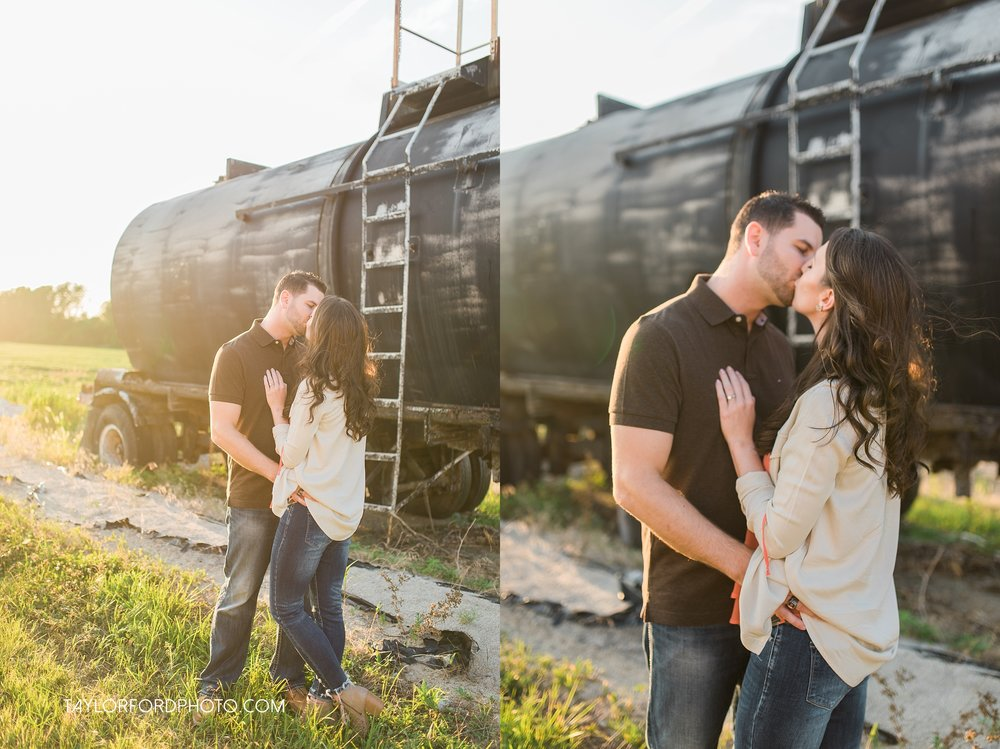 celina-coldwarter-ohio-engagement-wedding-photographer-Taylor-Ford-Photography-Ohio-Indiana_2299.jpg