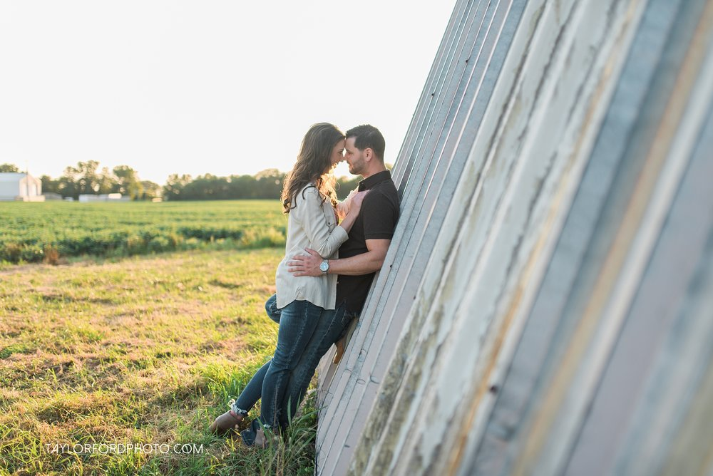 celina-coldwarter-ohio-engagement-wedding-photographer-Taylor-Ford-Photography-Ohio-Indiana_2300.jpg