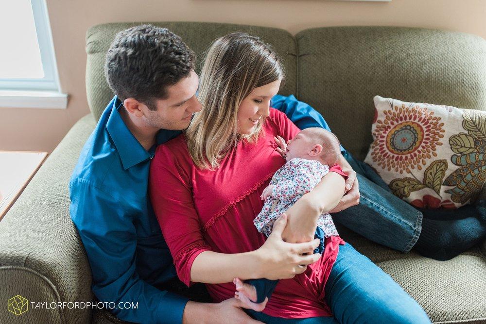 lansing-michigan-newborn-fort-wayne-indiana-family-photographer-Taylor-Ford-Photography-Ohio-Indiana_2699.jpg