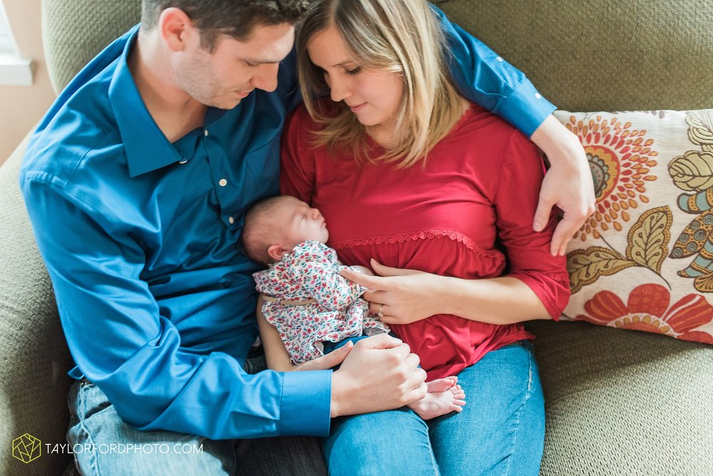 lansing-michigan-newborn-fort-wayne-indiana-family-photographer-Taylor-Ford-Photography-Ohio-Indiana_2702.jpg