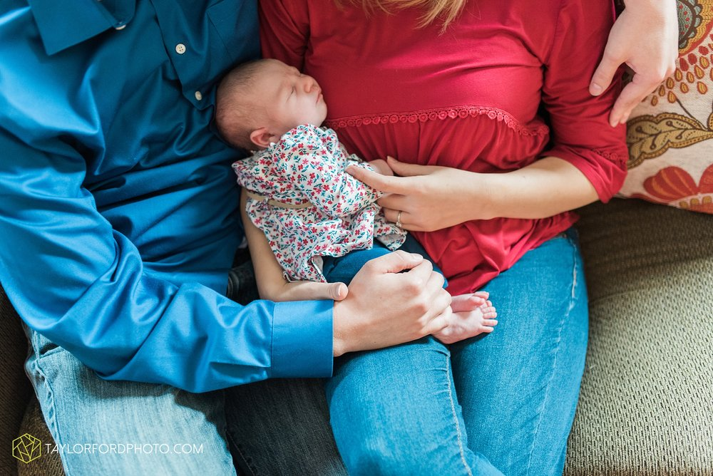 lansing-michigan-newborn-fort-wayne-indiana-family-photographer-Taylor-Ford-Photography-Ohio-Indiana_2703.jpg