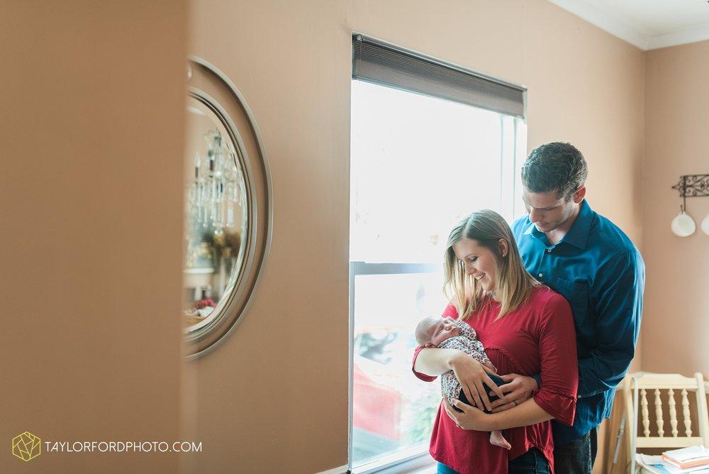 lansing-michigan-newborn-fort-wayne-indiana-family-photographer-Taylor-Ford-Photography-Ohio-Indiana_2709.jpg