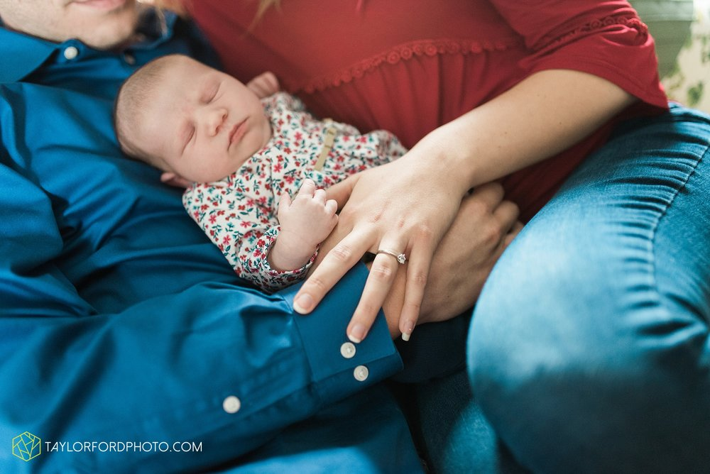 lansing-michigan-newborn-fort-wayne-indiana-family-photographer-Taylor-Ford-Photography-Ohio-Indiana_2720.jpg