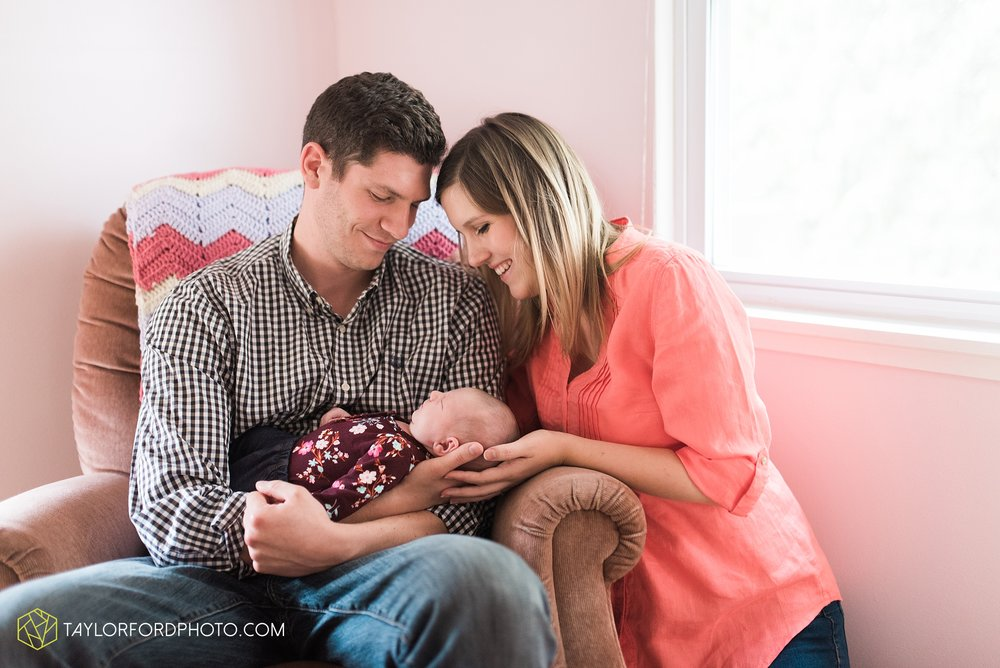 lansing-michigan-newborn-fort-wayne-indiana-family-photographer-Taylor-Ford-Photography-Ohio-Indiana_2726.jpg