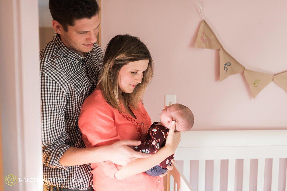 lansing-michigan-newborn-fort-wayne-indiana-family-photographer-Taylor-Ford-Photography-Ohio-Indiana_2728.jpg