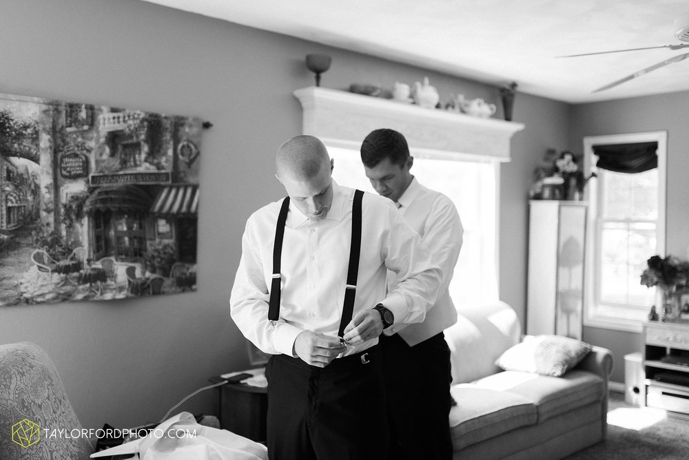 charlotte-battlecreek-michigan-wedding-photographer-Taylor-Ford-Photography-Ohio-Indiana_2851.jpg