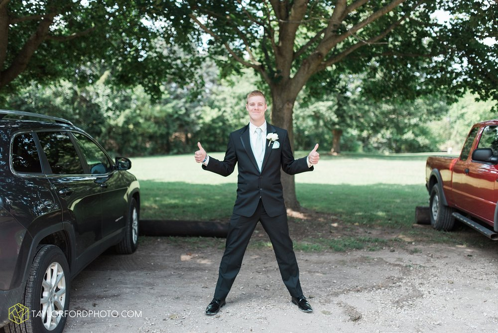 charlotte-battlecreek-michigan-wedding-photographer-Taylor-Ford-Photography-Ohio-Indiana_2865.jpg