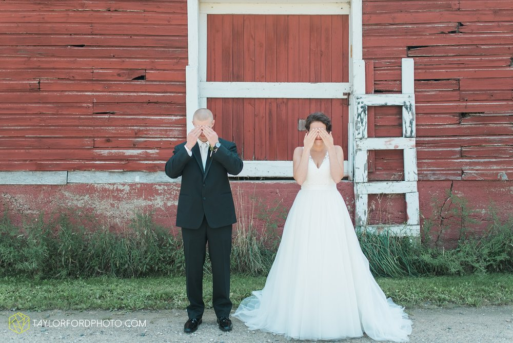 charlotte-battlecreek-michigan-wedding-photographer-Taylor-Ford-Photography-Ohio-Indiana_2866.jpg