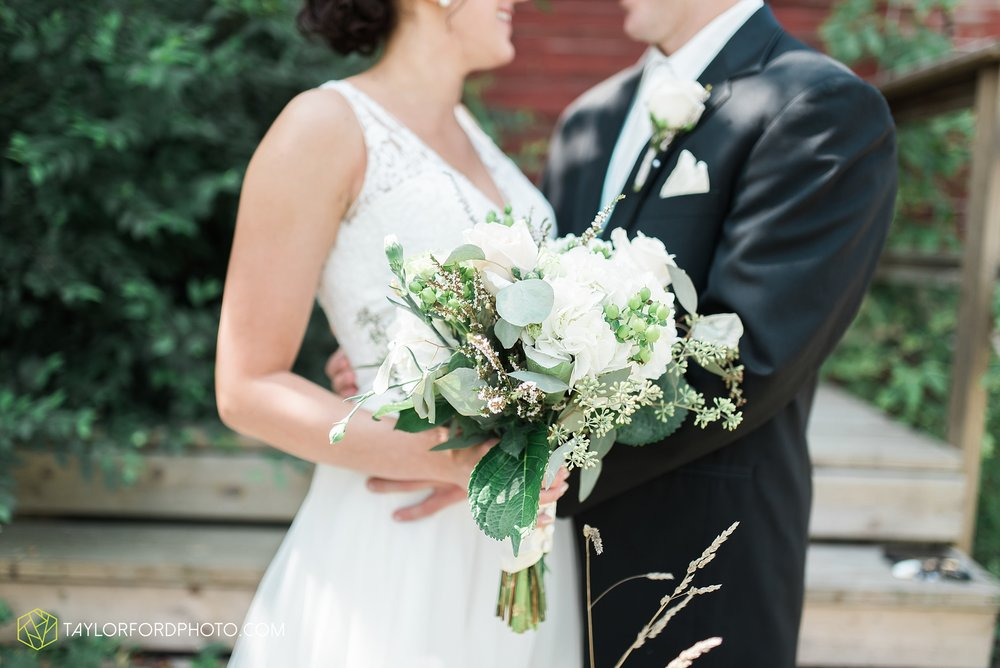 charlotte-battlecreek-michigan-wedding-photographer-Taylor-Ford-Photography-Ohio-Indiana_2871.jpg