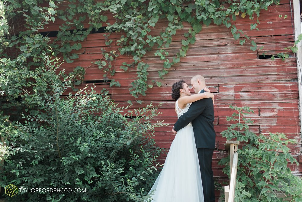 charlotte-battlecreek-michigan-wedding-photographer-Taylor-Ford-Photography-Ohio-Indiana_2876.jpg