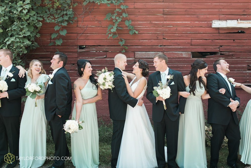 charlotte-battlecreek-michigan-wedding-photographer-Taylor-Ford-Photography-Ohio-Indiana_2880.jpg