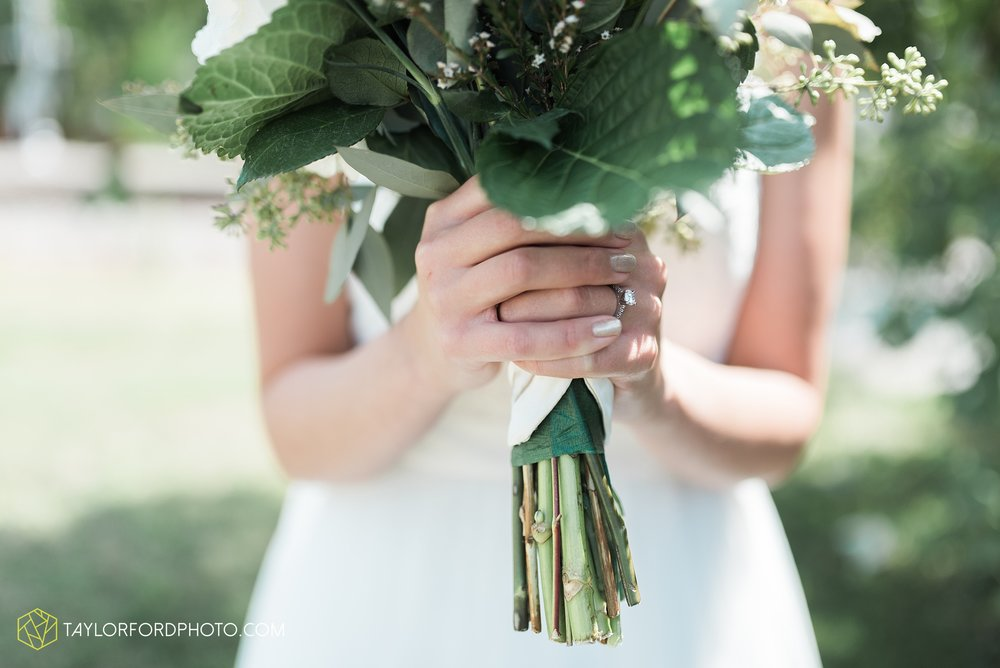 charlotte-battlecreek-michigan-wedding-photographer-Taylor-Ford-Photography-Ohio-Indiana_2889.jpg