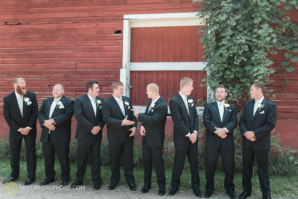 charlotte-battlecreek-michigan-wedding-photographer-Taylor-Ford-Photography-Ohio-Indiana_2891.jpg