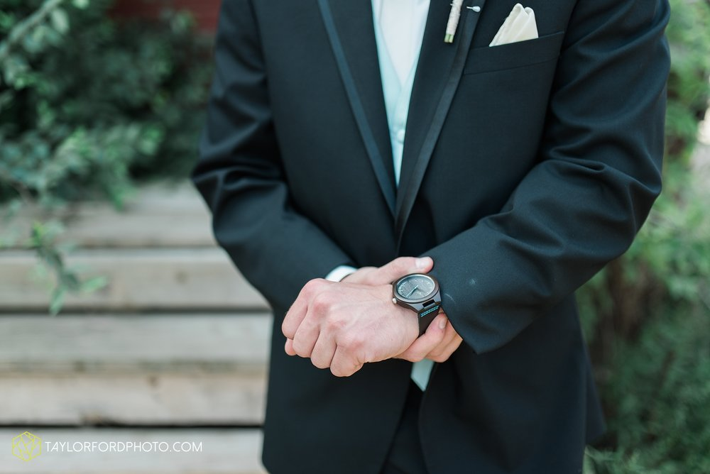 charlotte-battlecreek-michigan-wedding-photographer-Taylor-Ford-Photography-Ohio-Indiana_2895.jpg
