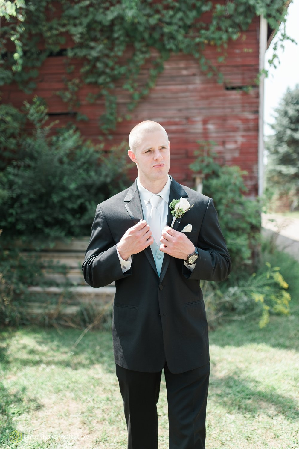 charlotte-battlecreek-michigan-wedding-photographer-Taylor-Ford-Photography-Ohio-Indiana_2896.jpg