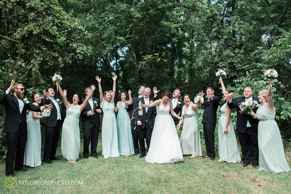 charlotte-battlecreek-michigan-wedding-photographer-Taylor-Ford-Photography-Ohio-Indiana_2899.jpg