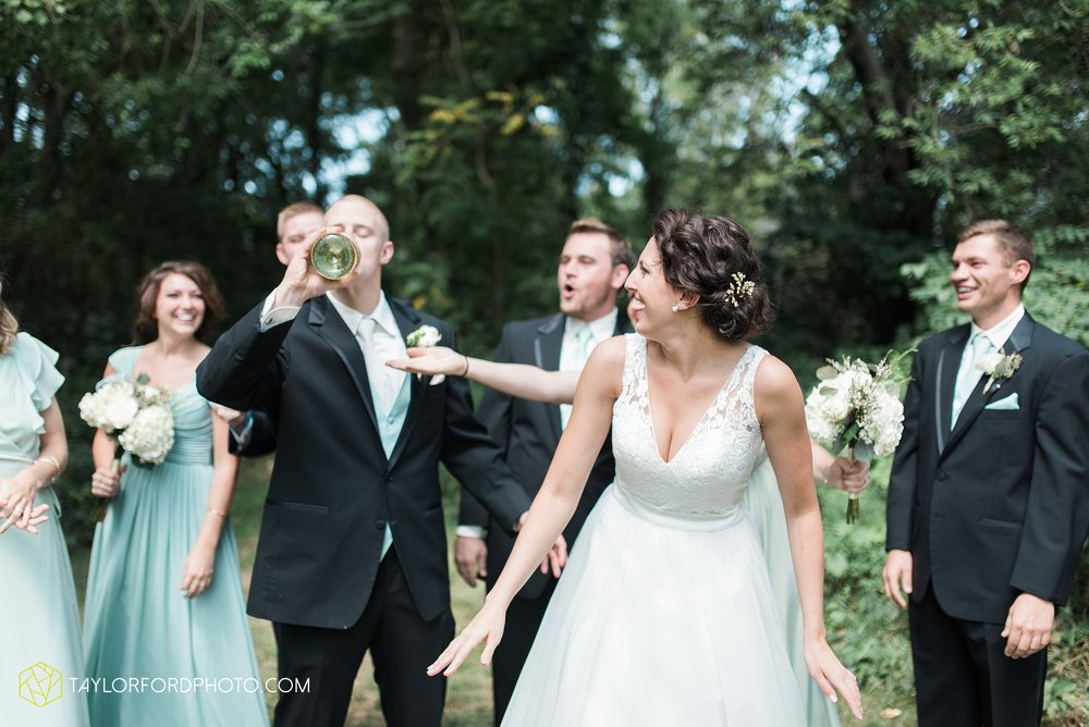 charlotte-battlecreek-michigan-wedding-photographer-Taylor-Ford-Photography-Ohio-Indiana_2900.jpg