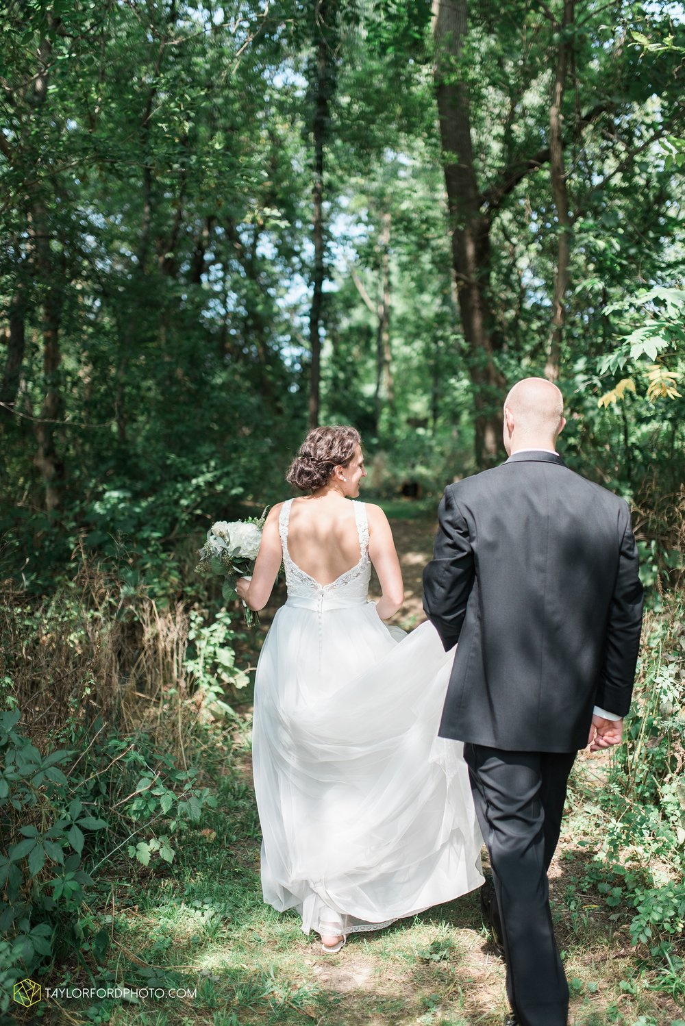 charlotte-battlecreek-michigan-wedding-photographer-Taylor-Ford-Photography-Ohio-Indiana_2903.jpg