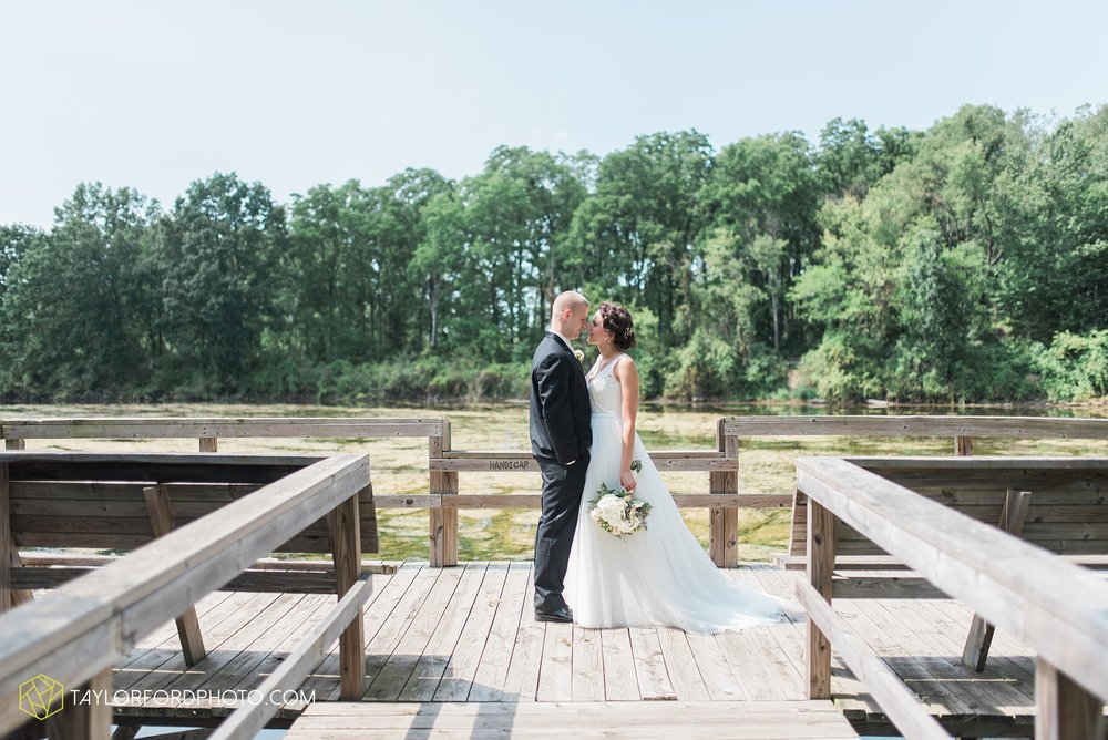 charlotte-battlecreek-michigan-wedding-photographer-Taylor-Ford-Photography-Ohio-Indiana_2905.jpg
