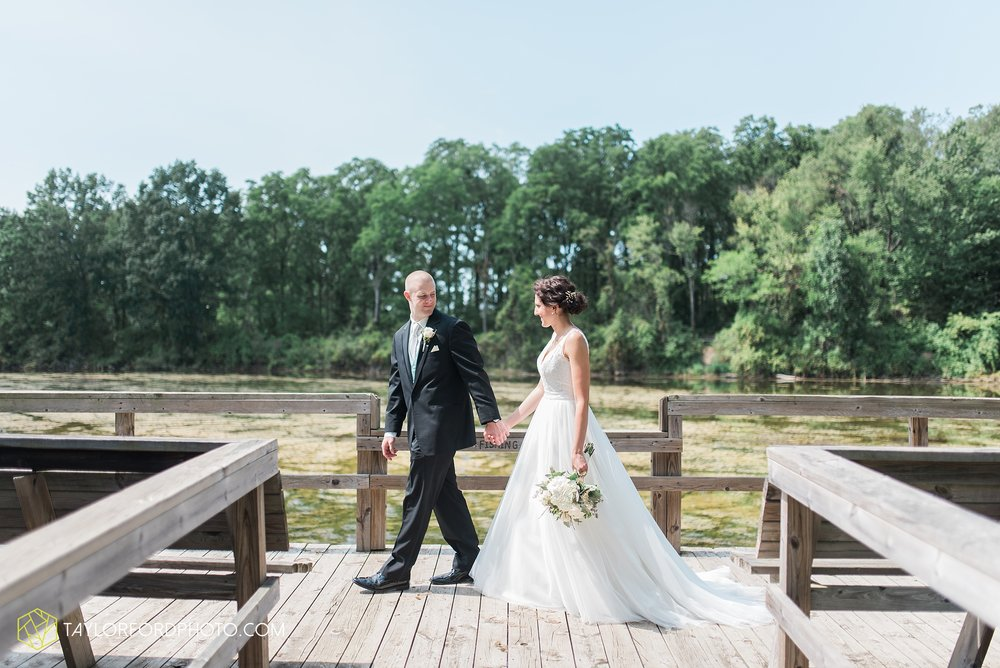 charlotte-battlecreek-michigan-wedding-photographer-Taylor-Ford-Photography-Ohio-Indiana_2906.jpg