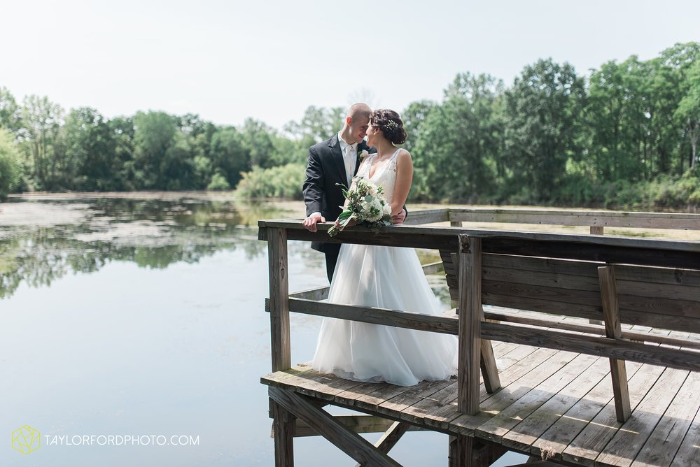 charlotte-battlecreek-michigan-wedding-photographer-Taylor-Ford-Photography-Ohio-Indiana_2908.jpg