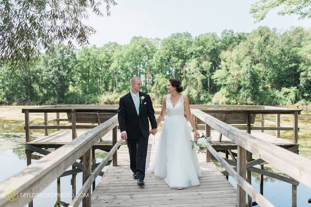 charlotte-battlecreek-michigan-wedding-photographer-Taylor-Ford-Photography-Ohio-Indiana_2909.jpg
