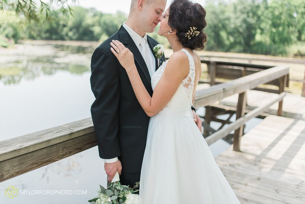 charlotte-battlecreek-michigan-wedding-photographer-Taylor-Ford-Photography-Ohio-Indiana_2911.jpg
